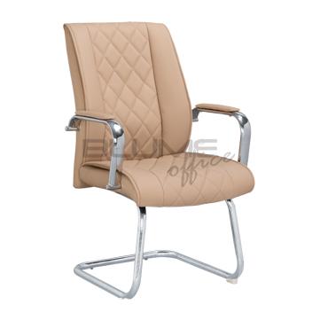 Cadeira de aproximação revestida em couro base Ski Cromada. Estofado em bege ou preto BLM 720F