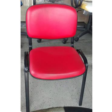 Cadeira fixa Iso estofada – ferragem preta